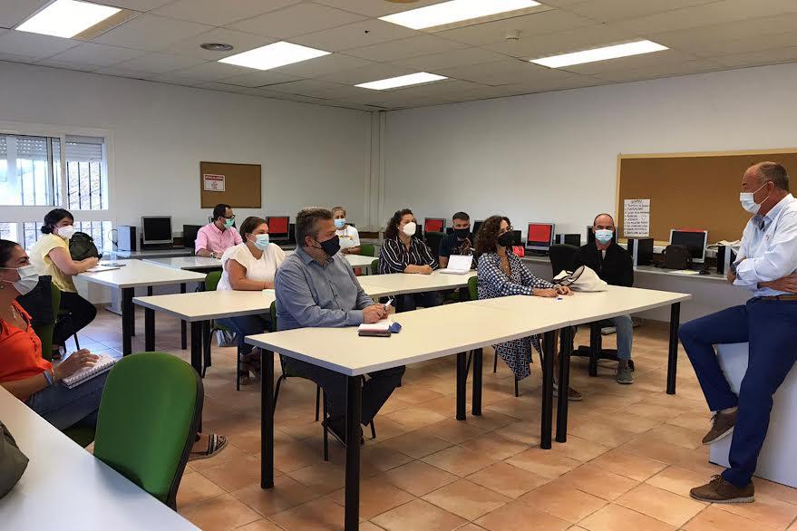 Reunión para definir el XXIV Plan Agrupado de Formación Continua de la Mancomunidad de Islantilla y de los Ayuntamientos de Isla Cristina y Lepe