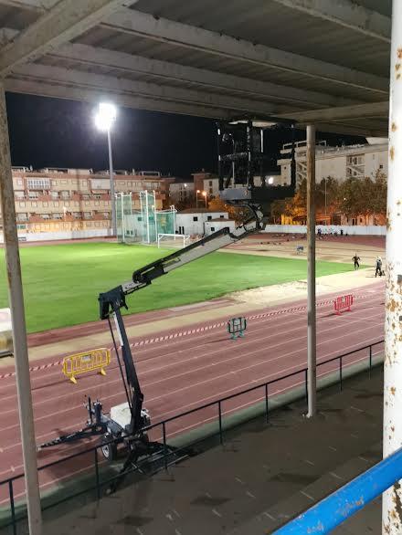 El Ayuntamiento repara la visera del Campo de Fútbol Municipal